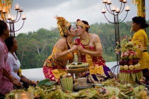 Παραδοσιακός γάμος στο Μπαλί