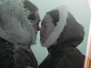 φιλιά εσκιμώων