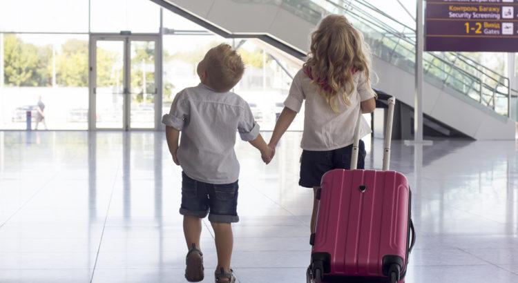 αεροπορικό ταξίδι με παιδιά
