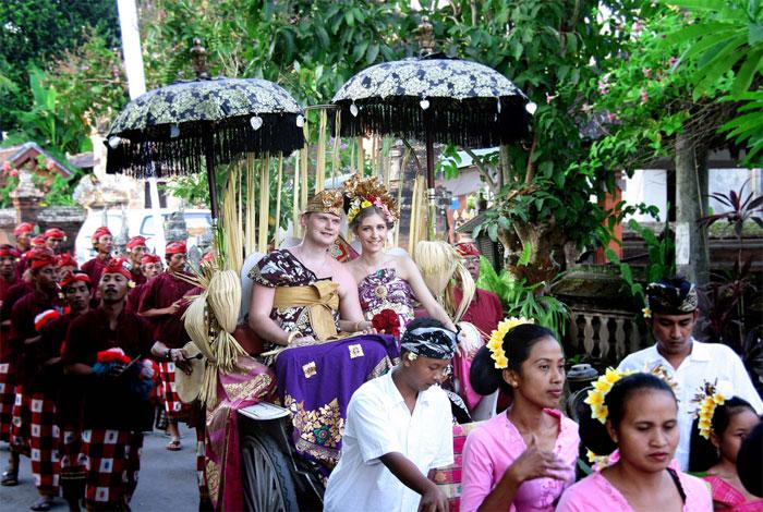 Πως γίνεται ένας γάμος στο Μπαλί