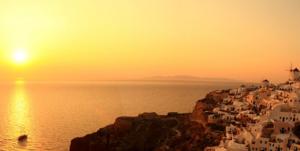 ρομαντικοί προορισμοί στην Ελλάδα με θέα το ηφαίστειο