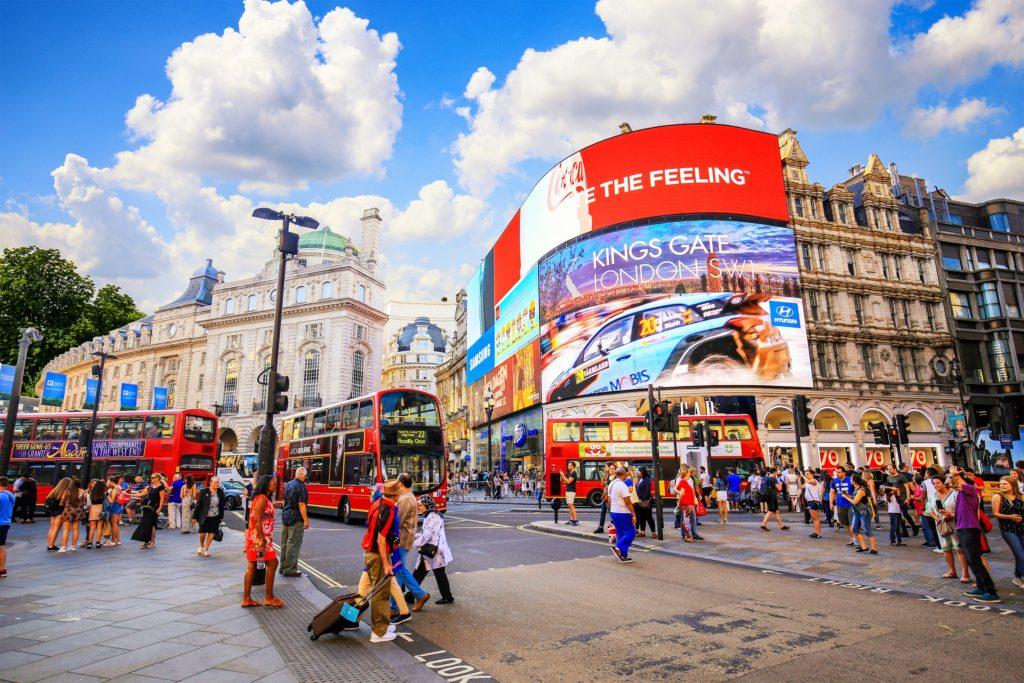 Piccadilly circus στο Λονδίνο