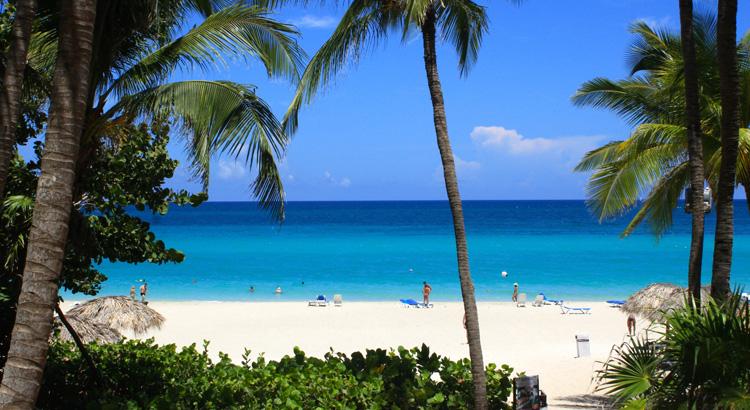 Ανακάλυψε την εκπληκτική παραλία Varadero στη Κούβα