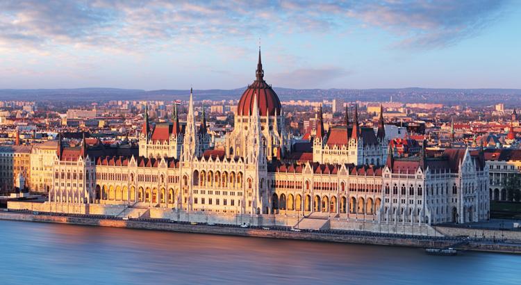 Σαββατοκύριακο στη Βουδαπέστη. Ανακάλυψε το Κτίριο της Ουγγρικής Βουλής