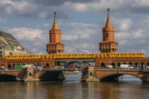 6+1 fun facts για την Γερμανία - φωτογραφία Berlin Bridges