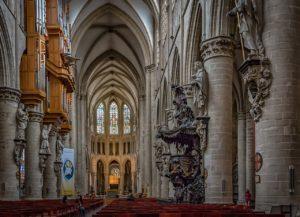 Γνώρισε οικονομικά τις Βρυξέλλες - Φωτογραφία The Cathedral of St. Michael and St. Gudula