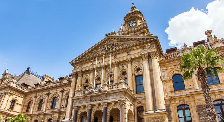 Μία από τις πρωτεύουσες της Νότιας Αφρικής είναι το Κέιπ Τάουν