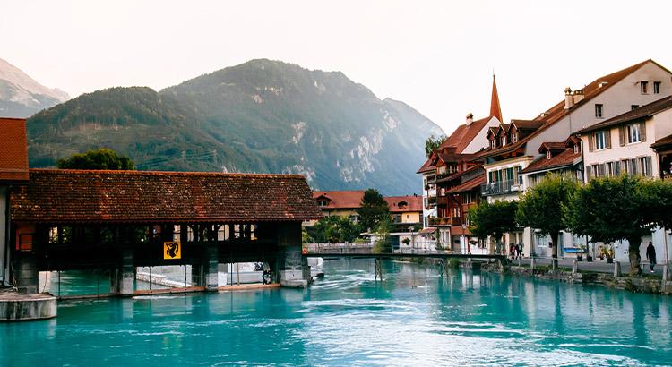 Ιντερλάκεν ένας από τους καλύτερους προορισμούς της Ελβετίας